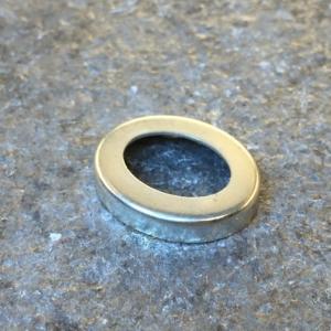 Fattning 925, oval med hål